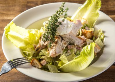 Schnithouse_ChickenCaesarSalad_550x440